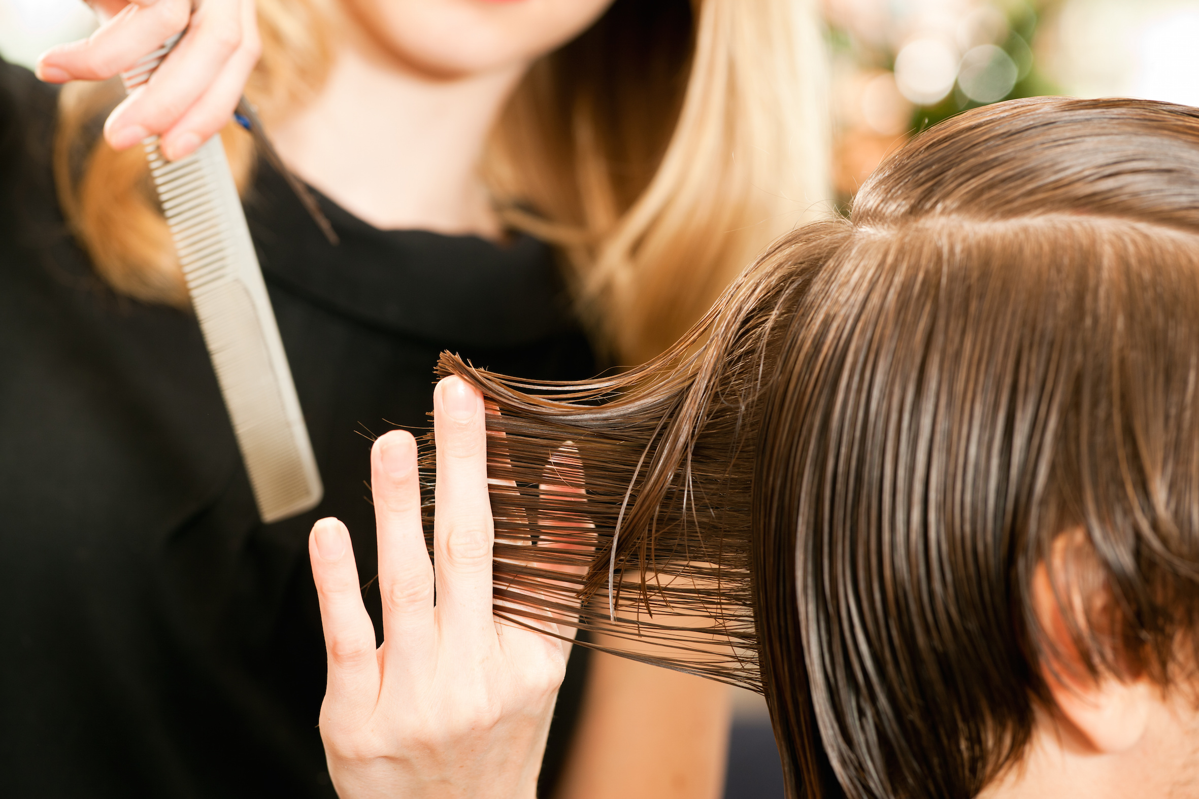 意中の女性美容師とLINEを交換して、確実にデートに誘う具体的な方法